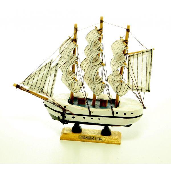 Macheta corabie din lemn cu panze